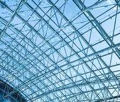 宽敞的机场大厅结构 — 图库照片