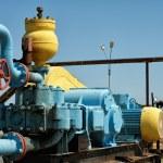Pump pumping oil. — Stock Photo #33452199