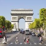 Champs-Elysees and the Arc de Triomphe, Paris, France — Stock Photo #21987239