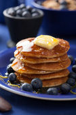 Pancakes with syrup and blueberry — Stock Photo
