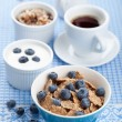 Cornflakes with blueberry and yogurt — Stock Photo