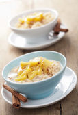Cereal with caramelized apple — Photo