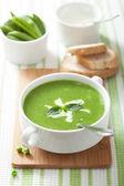 Zuppa di piselli con menta — Foto Stock