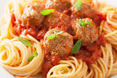 Spaghetti with meatballs in tomato sauce — Foto Stock