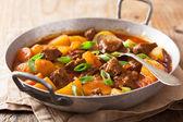 Guisado com batata e cenoura — Fotografia Stock