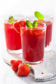 Strawberry juice with mint. summer drink — Stock Photo