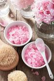 Спа набор с цветами пиона и розового травяные соли — Стоковое фото