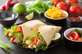 Mexican tortilla wrap with chicken breast and vegetables — 图库照片