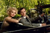 Retro couple in convertible — Foto Stock