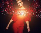 在红色的时尚女人的概念化图片 — 图库照片
