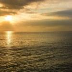 Beautiful sunset over an ocean — Stock Photo