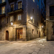 Empty street of Barri Gotic at night, Barcelona — Foto Stock