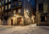 Empty street of Barri Gotic at night, Barcelona — Stock Photo