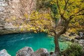 Source in Fontaine-de-Vaucluse, France — Stock Photo