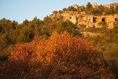 Beautiful landscape in Fontaine-de-Vaucluse, France — Stock Photo