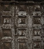 Old wooden grunge door — Stock Photo