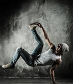 Bailarín de b-boy — Foto de Stock