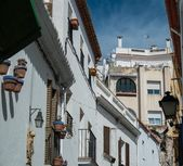 Narrow streets in town of Sitges, Spain — Stock Photo
