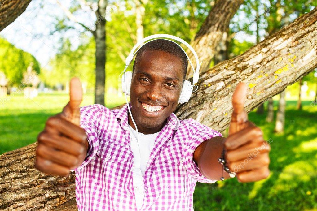 Снять темнокожего парня 7 фотография