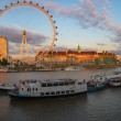 London Eye on Thames river at sunset — 图库照片