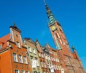 Houses and bell tower in old Gdansk city, Poland — ストック写真