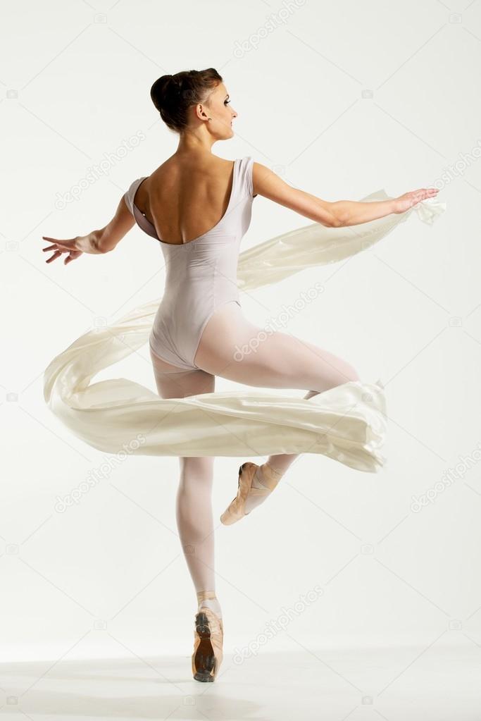 фото молодая балерина-мл3