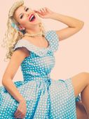 Sexy coquette blond pin up style young woman in blue dress — 图库照片