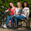 Multi ethnic group of sporty teenage girls in a park — Photo #46582761