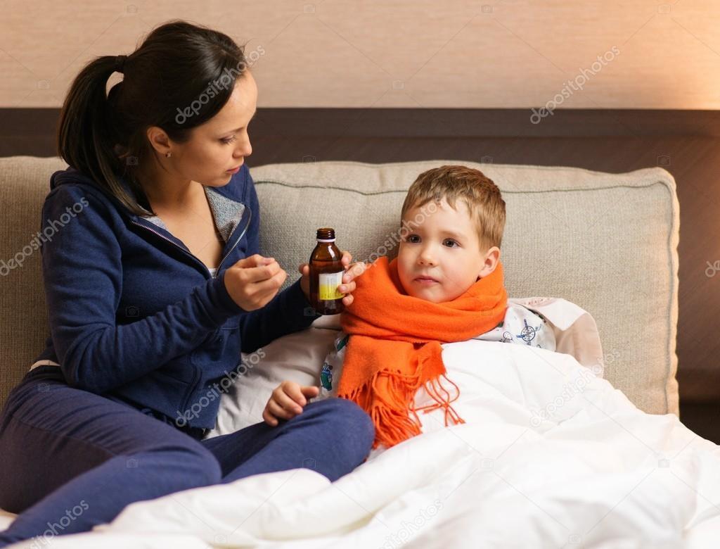 Сын в постели с матерью фото 662-302