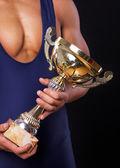 спортсмен с чашкой — Стоковое фото