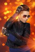 Hit rock diva w pomarańczowy punktowe — Zdjęcie stockowe