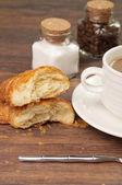 Piezas de repostería, azúcar y café — Foto de Stock