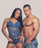 Couple bodybuilders — Stockfoto