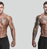 Tattooed muscled man — Stock Photo