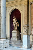 Sculptures in Vatican museum. — Stock Photo