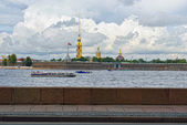 Fortness of St. Peter and Pavel and river Neva in St-Petersburg, — Photo