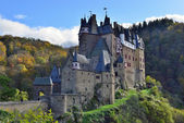 Medieval castle Eltz, located on the mountain in Germany — Stock Photo