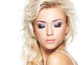 Ansikte av en kvinna med mode makeup — Stockfoto