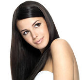 Woman with long straight hair — Stockfoto