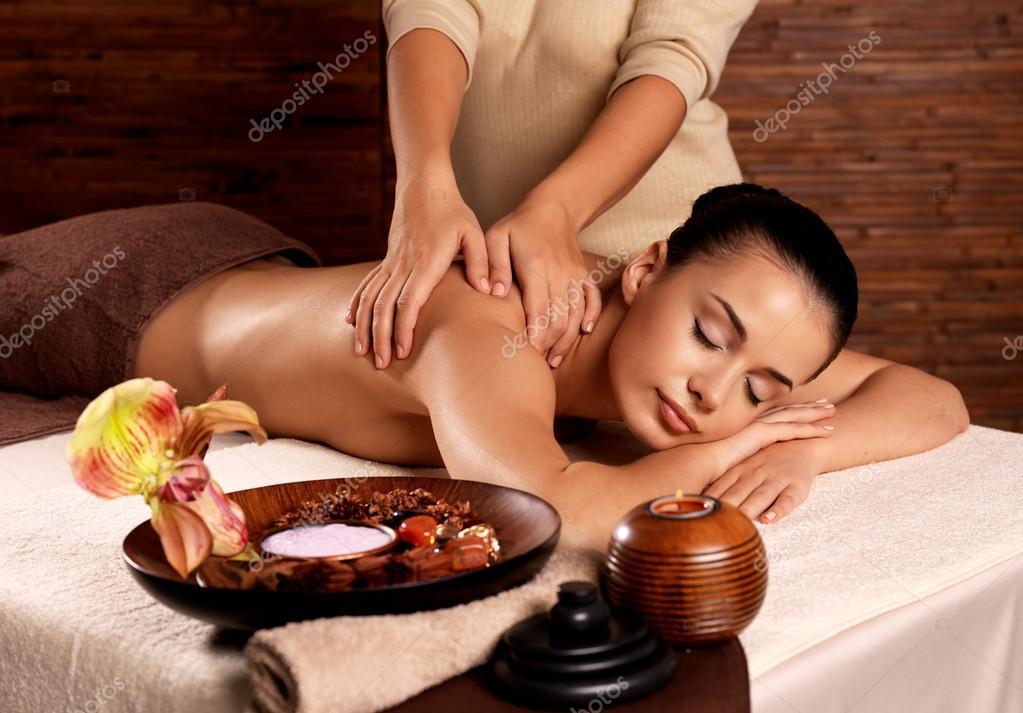 spa-salon-eroticheskogo-massazha-n-novgorod