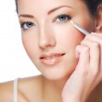 White cosmetic pencil - Eyeliner — Stock Photo #1503804