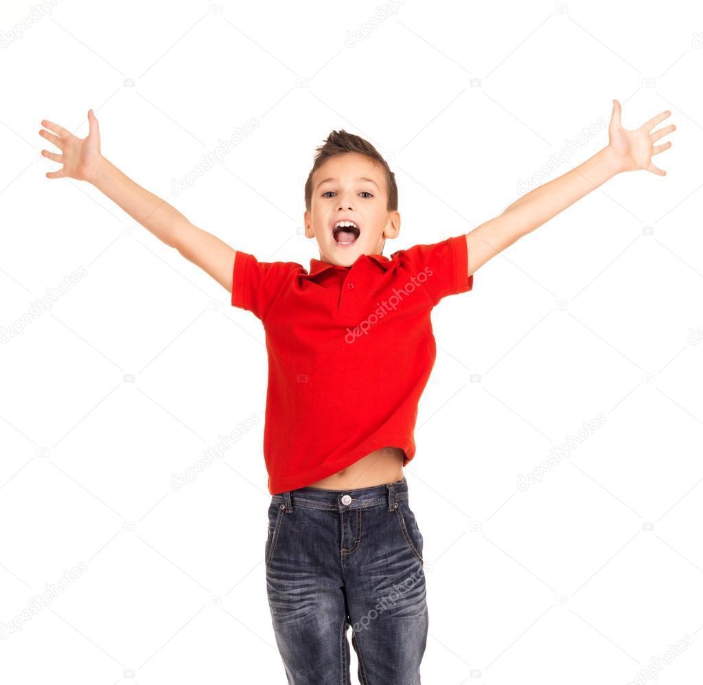 Niño Feliz Saltando Con Las Manos Levantadas