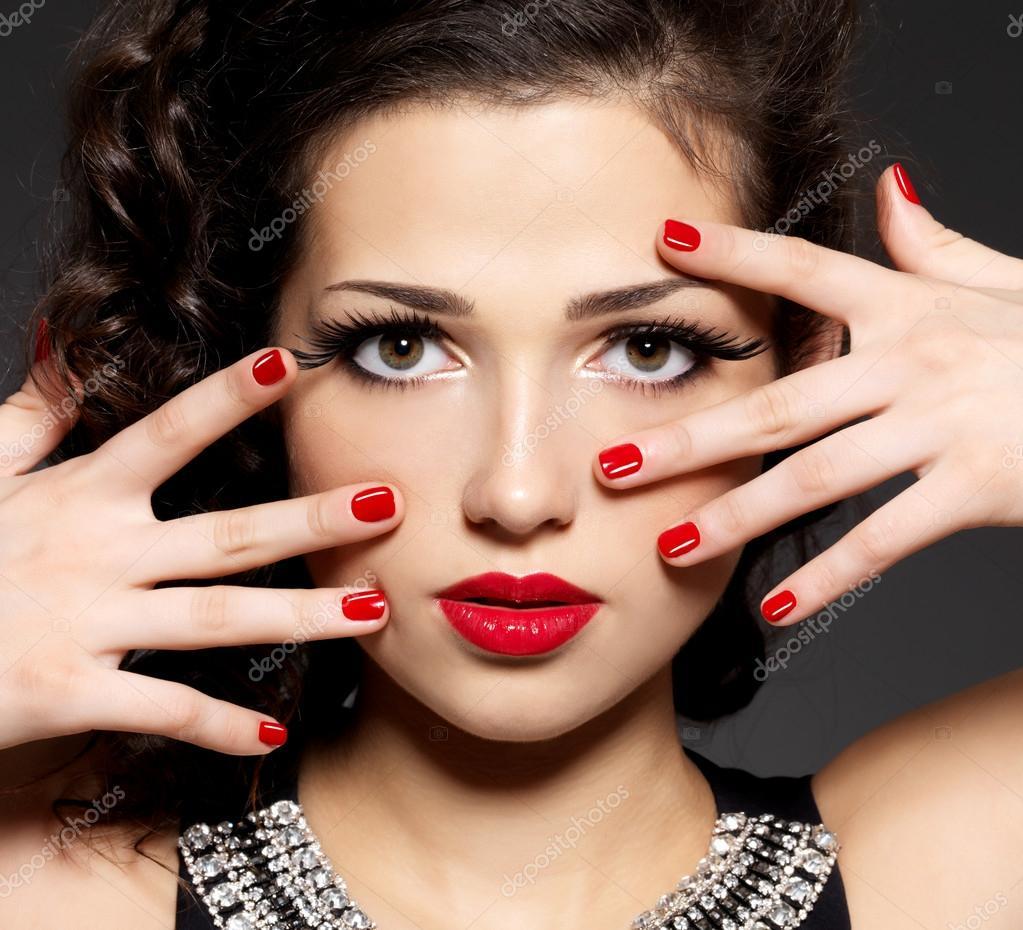 губы ногтей фото