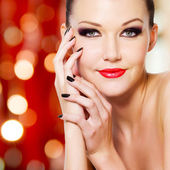 Glamour woman with reds lips — Stock Photo