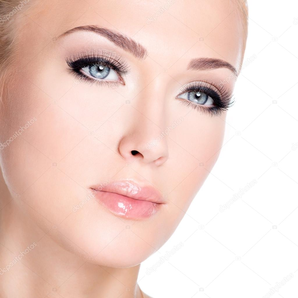 Woman with long false eyelashes — Stock Photo © valuavitaly #34707595