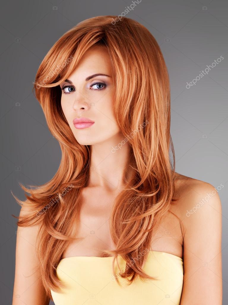 红色的长头发的女人图片