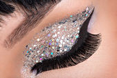 Woman eye with fashion makeup — Стоковое фото
