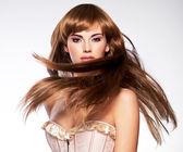 Uzun saçlı güzel seksi kadın — Stok fotoğraf