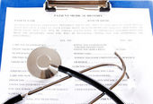 Filling the medical history questionnaire — Stock Photo