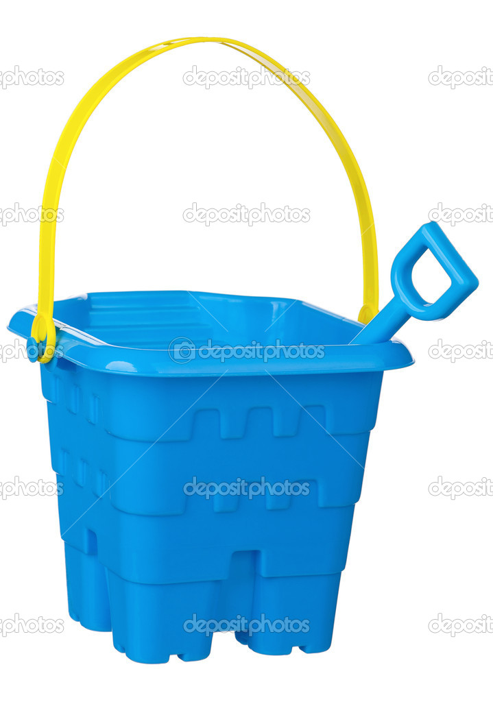 Toy bucket and spade isolated on white background — Stock Photo #13273350